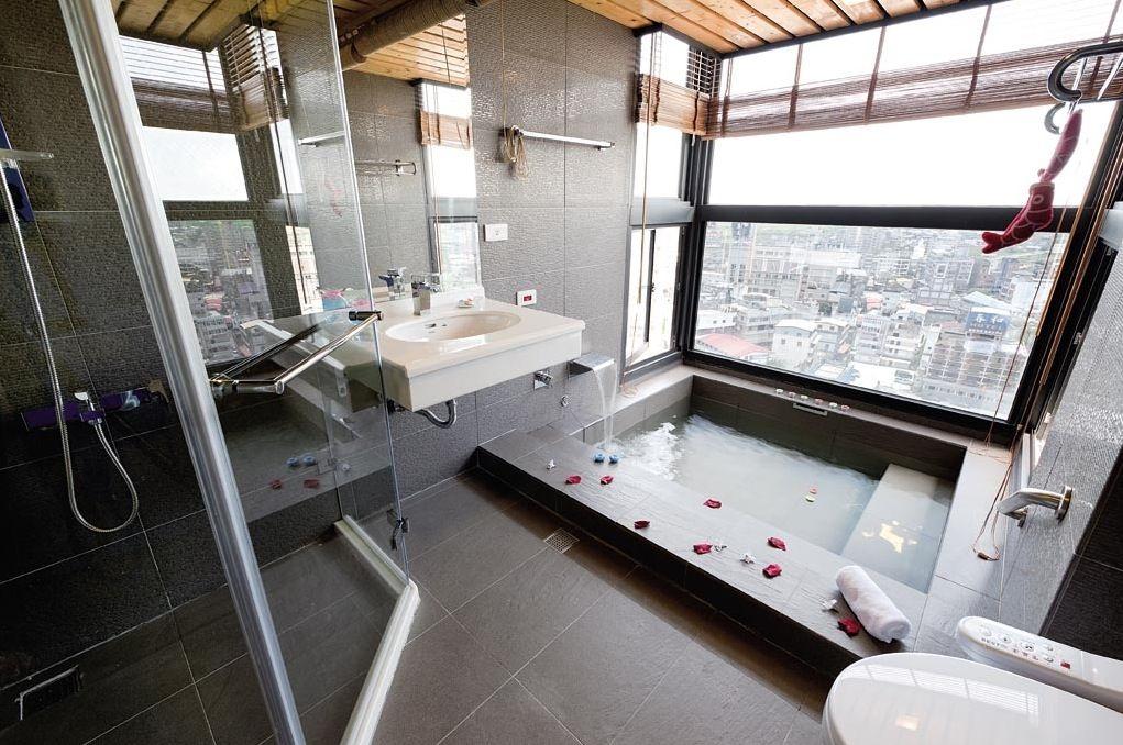 Bathroom, Modern Bathroom With Large Tile: Spa Like Modern Tiled Bathrooms  Ideas