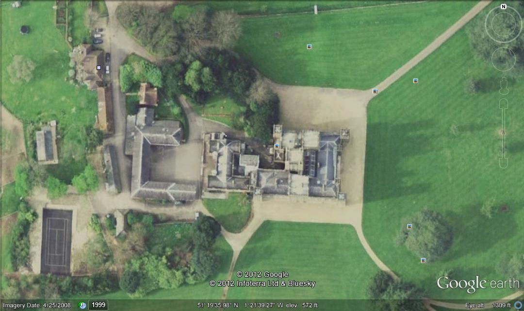 Google Earth image from above of Highclere Castle in English