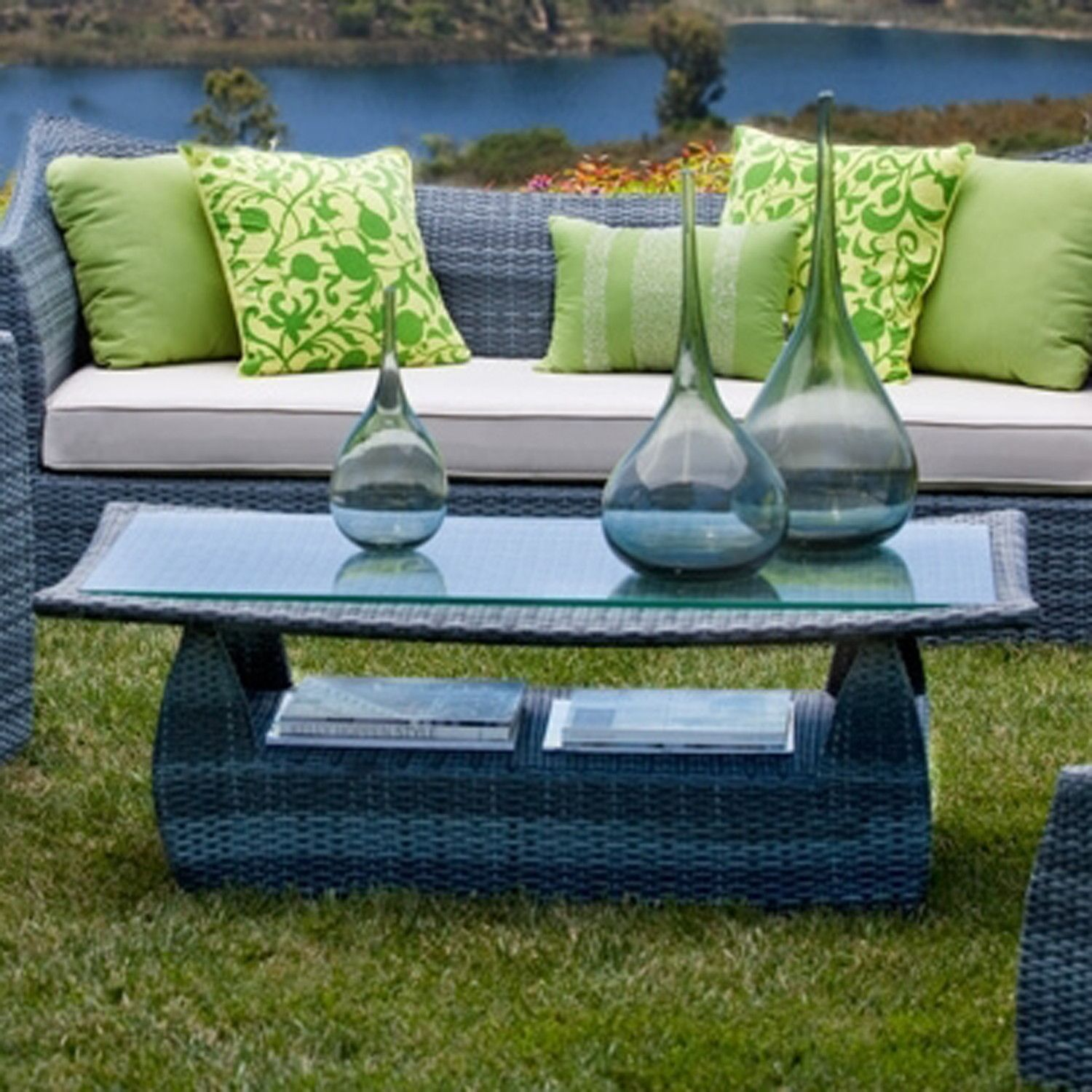 Green and blue color scheme for outdoor furniture
