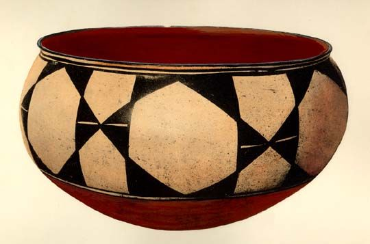 Santo Domingo bowl with geometric design