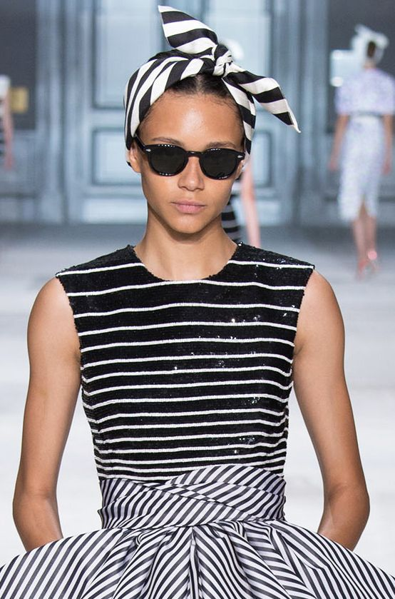 Monochrome black and white striped retro scarf headband + sequin embellished + print cocktail dress Giambattista Valli Fall Winter 2014 #Couture #FW2014 #HauteCouture