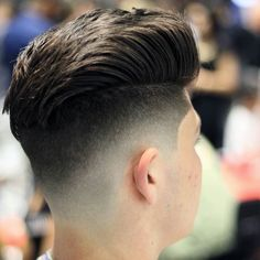 Haircut by donnyblends http://ift.tt/1r0VeDE #menshair #menshairstyles #menshaircuts #hairstylesformen #coolhaircuts #coolhairstyles #haircuts #hairstyles #barbers