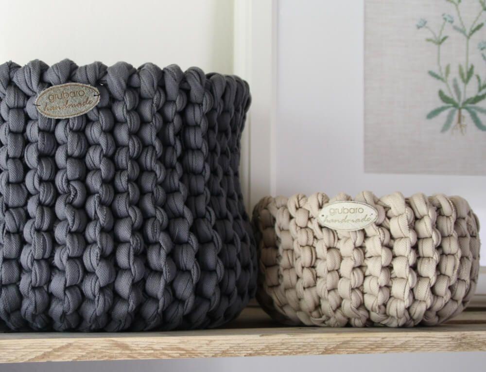 Les bandes textiles originales ont leur propre aspect unique après traitement …   – Stricken, häkeln