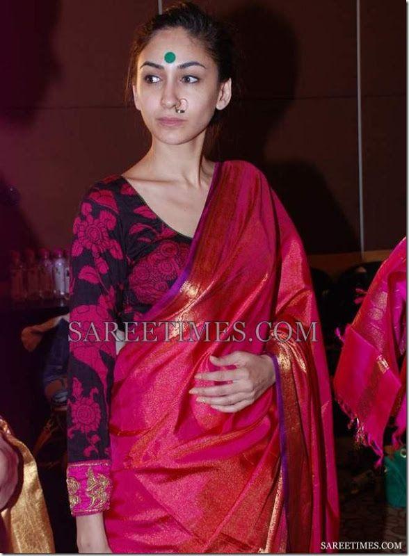 cafb51abe1 saree blouse designs for fat ladies - Google Search | Fashion Sense ...