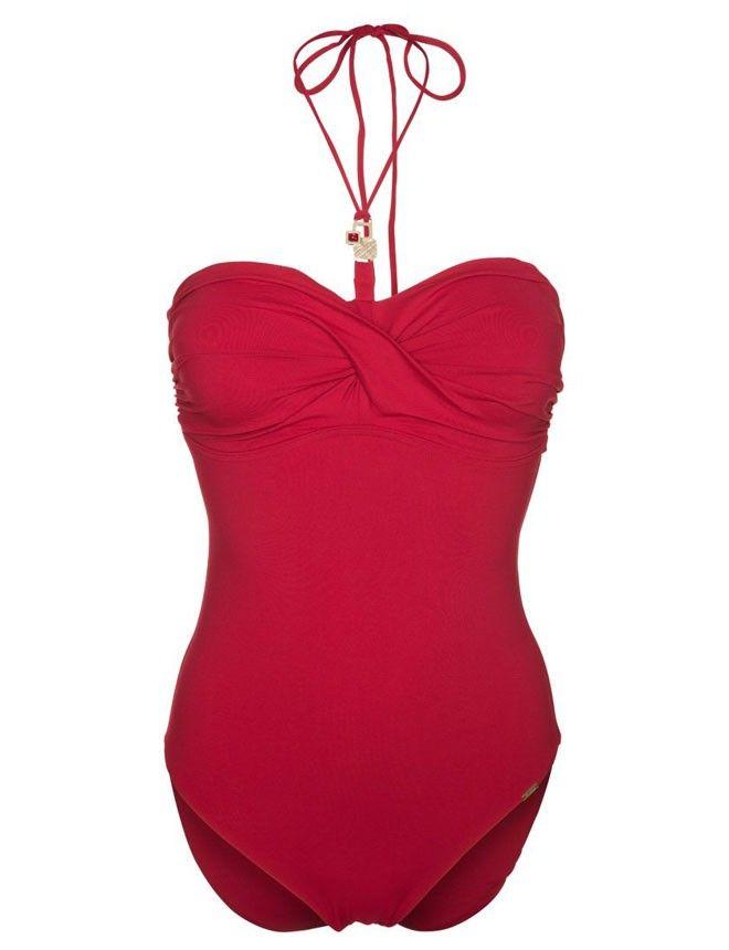 #bañador Triumph http://www.marie-claire.es/moda/tendencias/fotos/bikinis-y-banadores-lisos-apuesta-por-el-color/triumph1