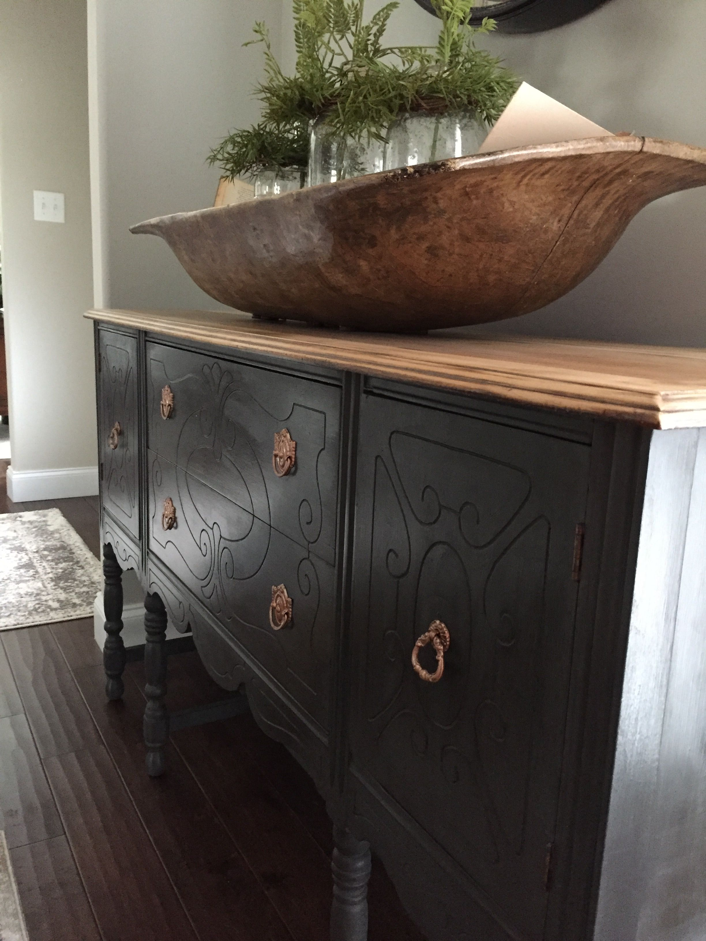 Buffet Painted With Rustoleum Chalked Paint In Charcoal Pine Furniture Makeover Grey Painted Furniture Furniture Rehab