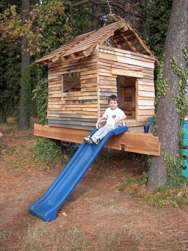 pallet yard furniture: pallet playhouse | outdoor play | pinterest