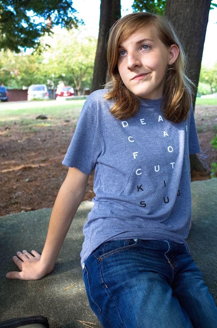 Las hormonas, y la Escuela Secundaria de inicio: Un día en la vida de un adolescente Trans | A grandes