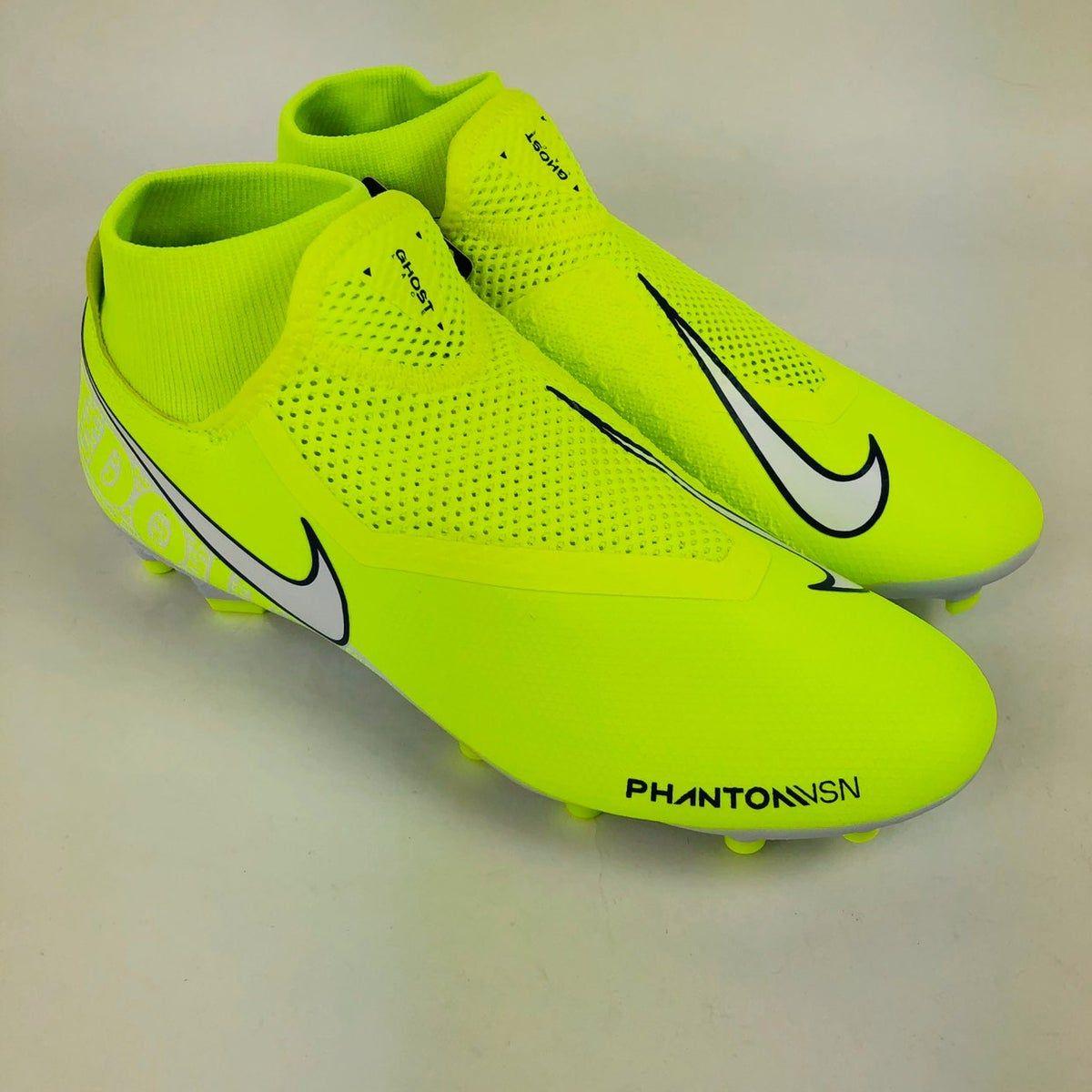 Nike Phantom VSN Academy Soccer Cleats