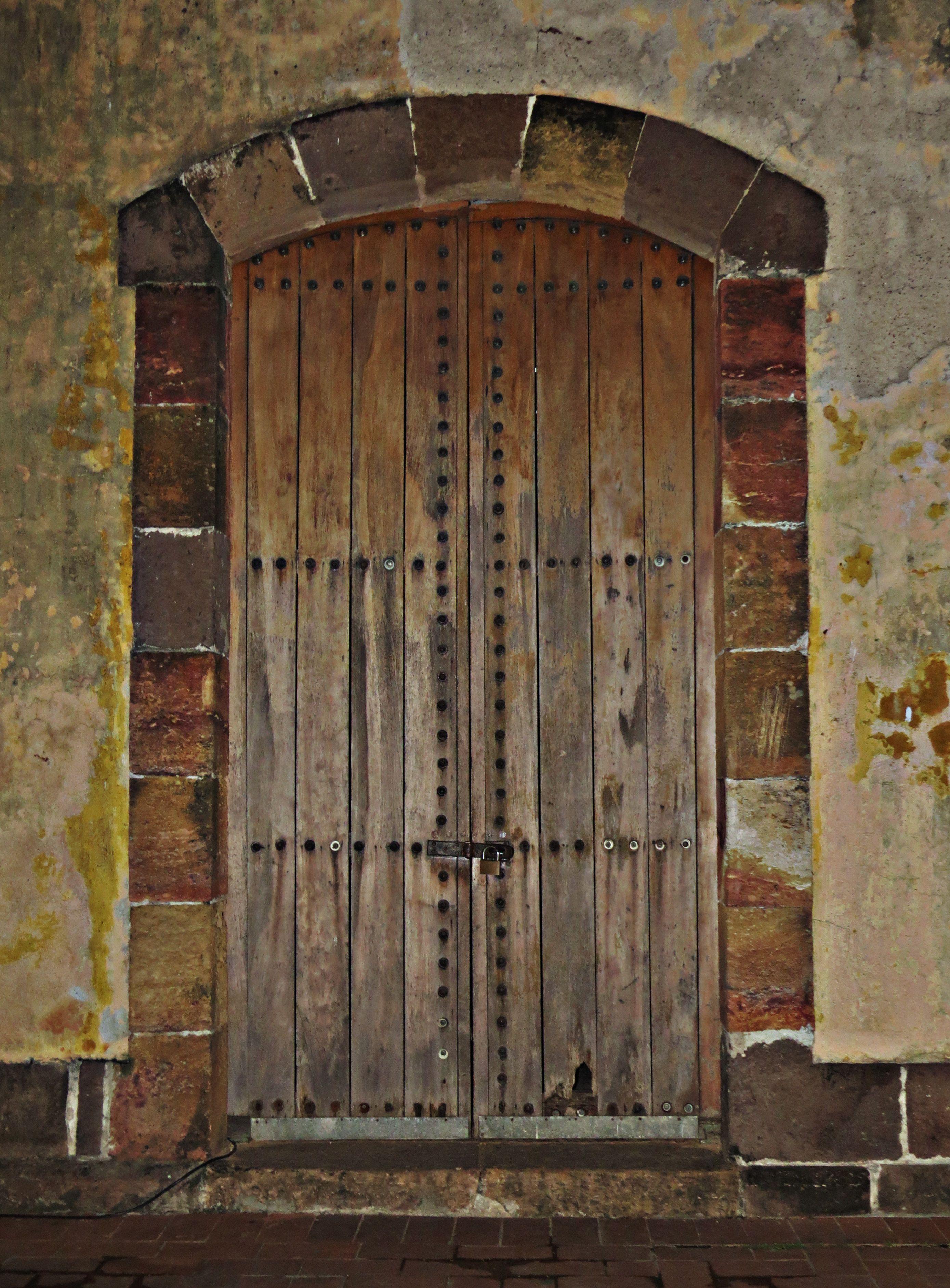 Old jail door   Location Casco Antiguo (Old city) Panamá & Old jail door   Location: Casco Antiguo (Old city) Panamá   Puertas ...
