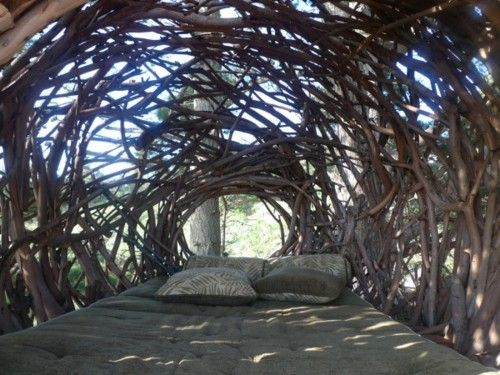 Located along the Big Sur coast that faces the vast Pacific Ocean, the Human Nest is a treehouse constructed with a whirlpool of eucalyptus branches that have been bent, knotted, and twisted into its impressive and beautiful structure. Artist, Jayson Fann for the treebones resort, bent upwards thousands of individual branches and assembled them to create this wondrous treehouse.