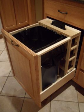 really big trash can. (But no lid?!?) | For the Kitchen in ...