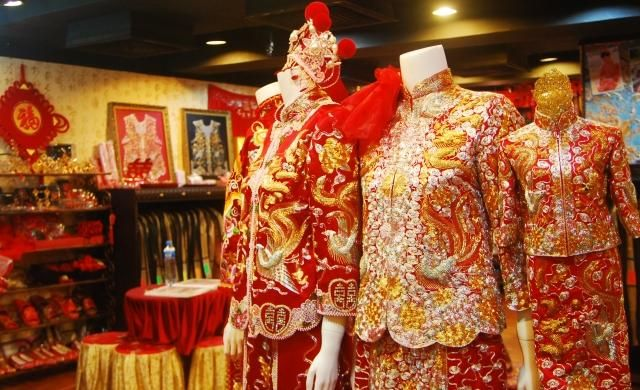 There are 10 traditional clothing suppliers, mainly located in Asia. The top supplying country is Hong Kong, which supply % of traditional clothing respectively. Traditional clothing products are most popular in .