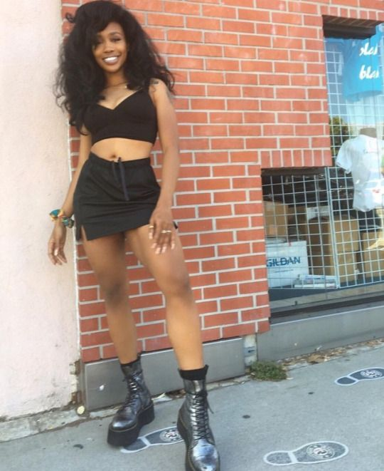 Space Boots Sza Fashion Style Model