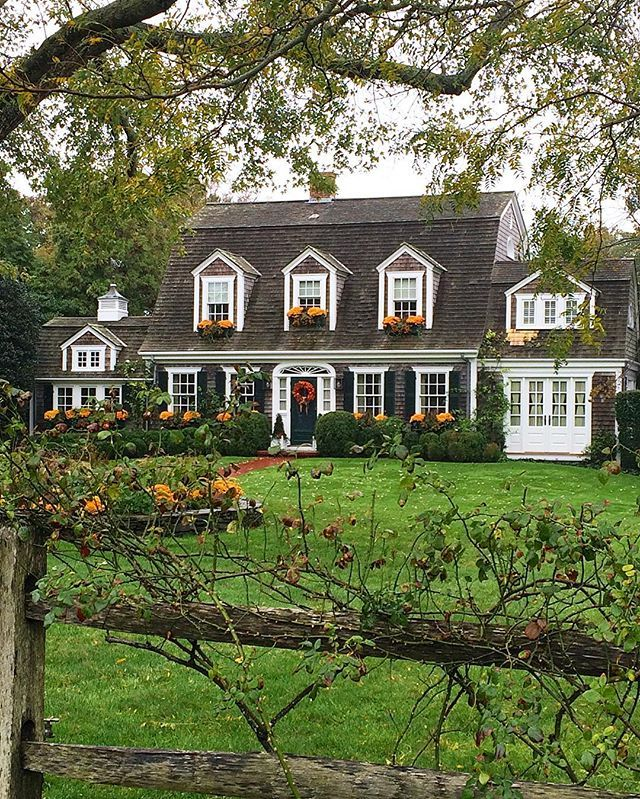 I Love This House They Used Pretty Gold Mums In All The Window Boxes And Gardens Marthasvineyard Windowb House Exterior Cape Cod Style House House Styles