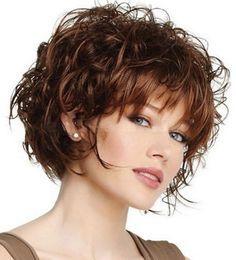 Coiffure frisée femme coiffures Cheveux courts