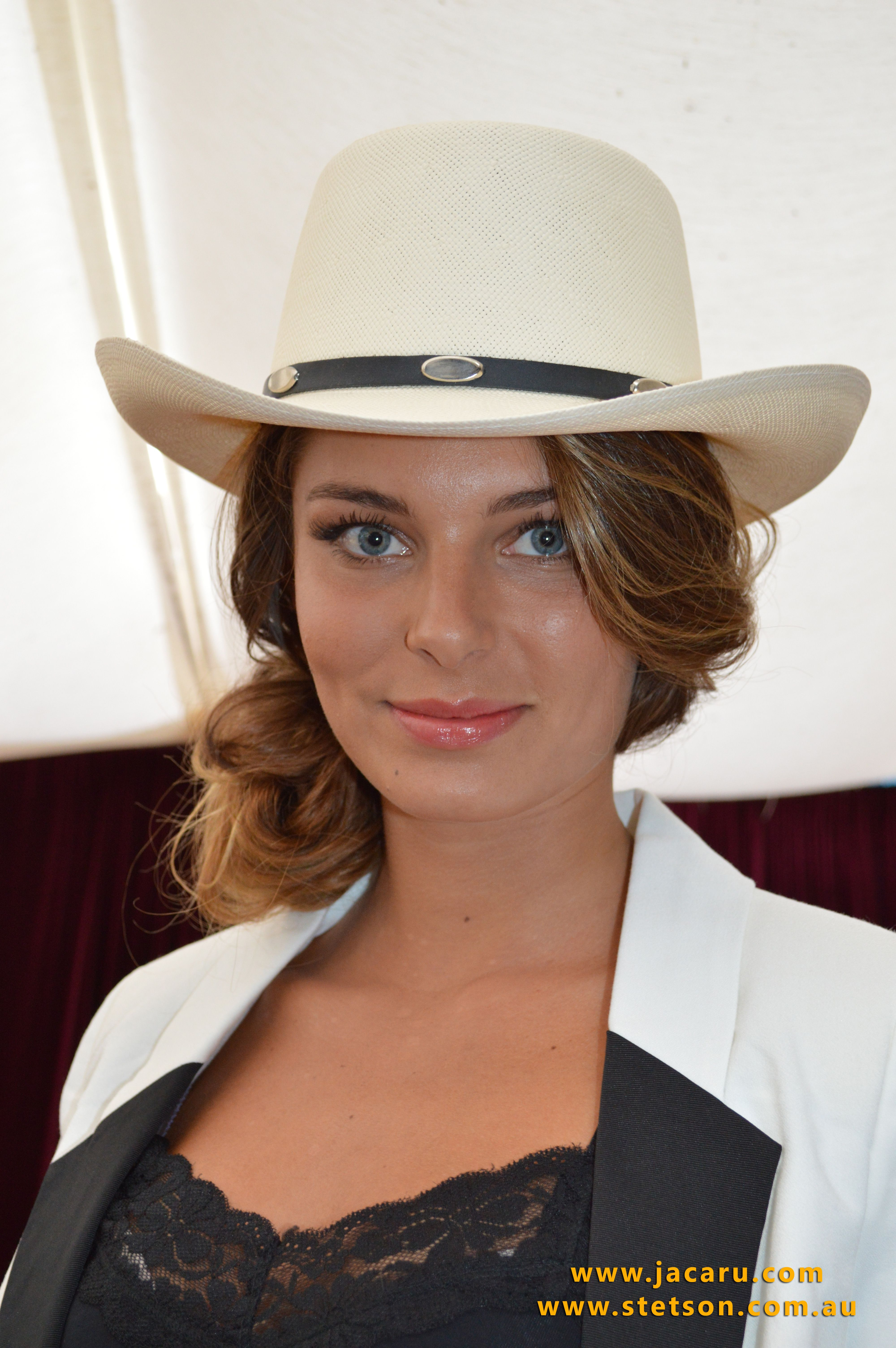 Our model is wearing the STS 25 Royal Flush - Stetson by Jacaru Australia df1b58134ff