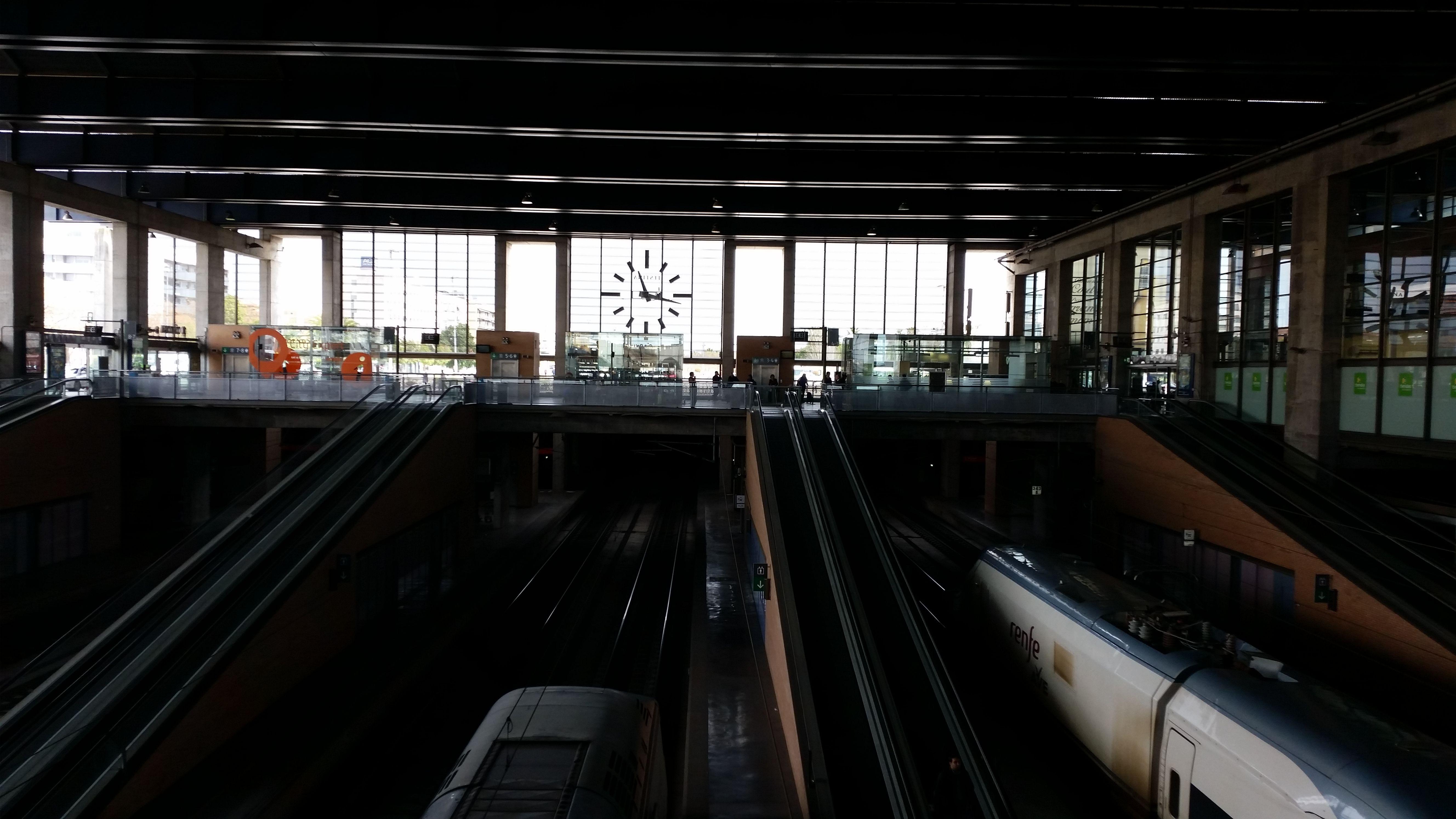andenes de la estación de ferrocarril de Córdoba