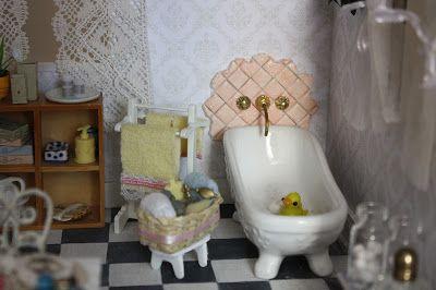 Lasituvan Miniatyyrit: Nukkekodin kylpyhuoneesta...miniature bathroom