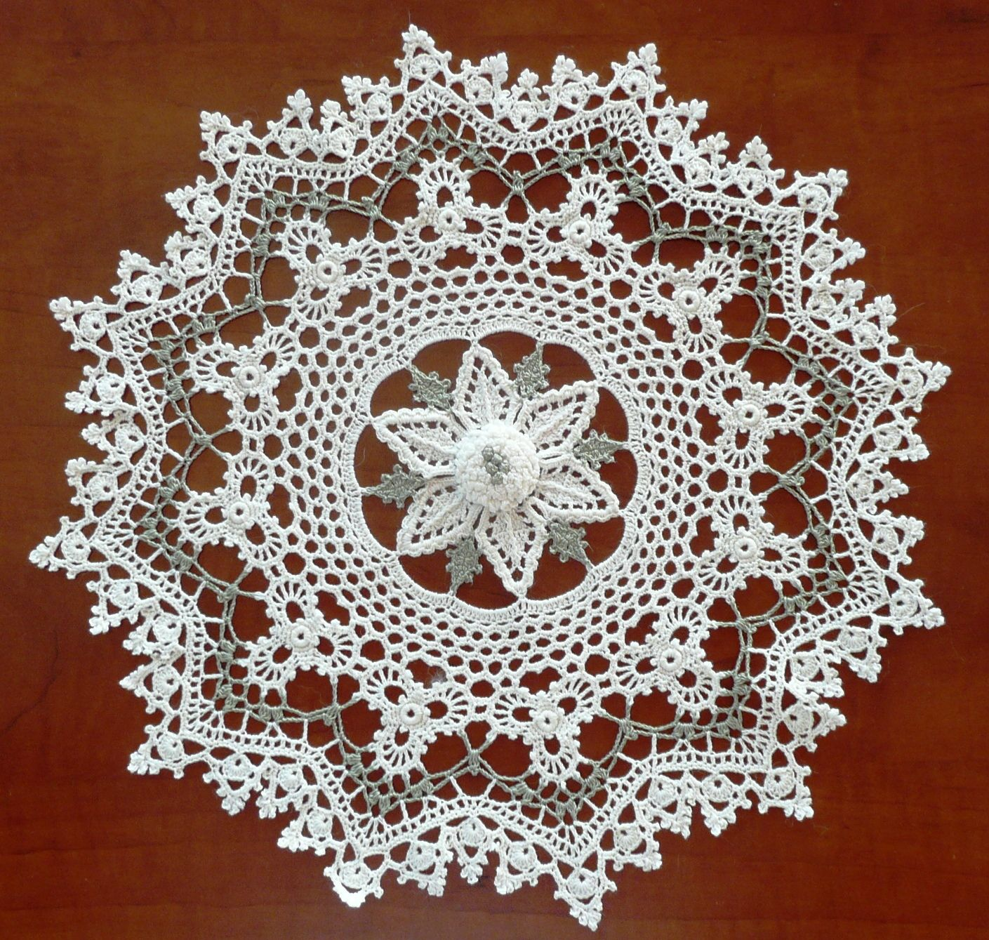 Giving Thanks Doily Old-Time Favorites crochet pattern leaflet