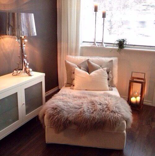 Die besten 25 eckraum ideen auf pinterest ecke for Kleines wohnzimmer dekorieren