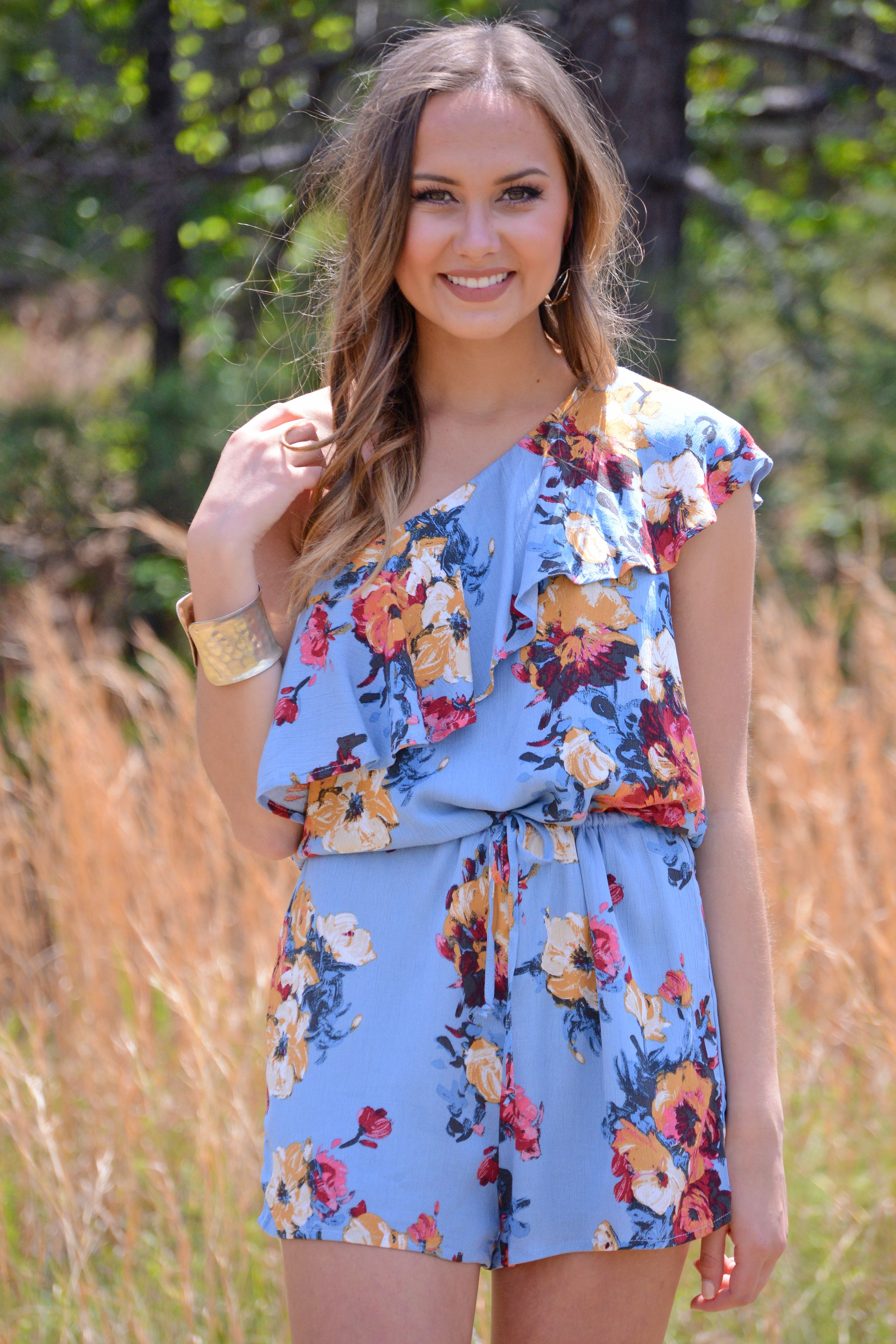 One Shoulder Styles Are Taking Over This Spring Meaning This Romper Is Sure To Delight It Boasts The Fashion Forward Shape In Rompers Colorful Fashion Style