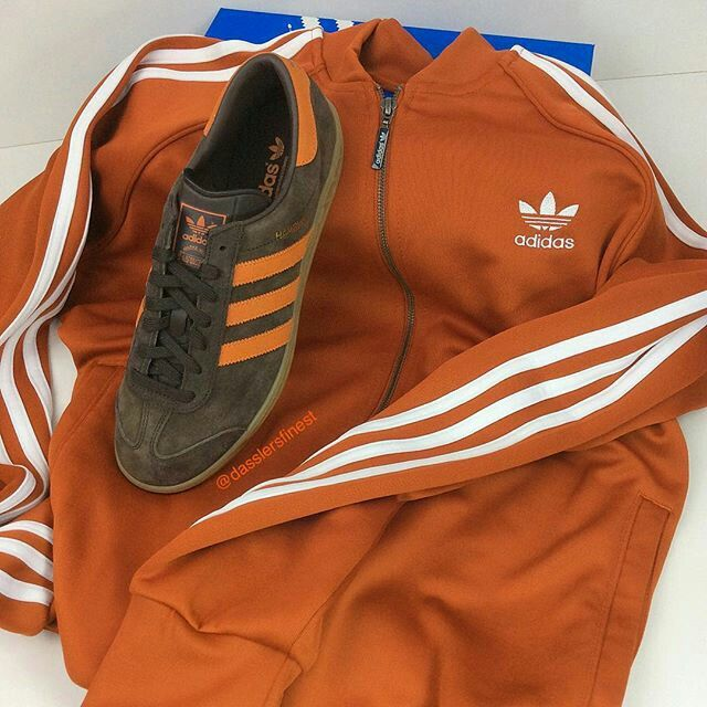 LOVIN THE TONE OF THE 'BURNT ORANGE' TRACK TOP WITH THE