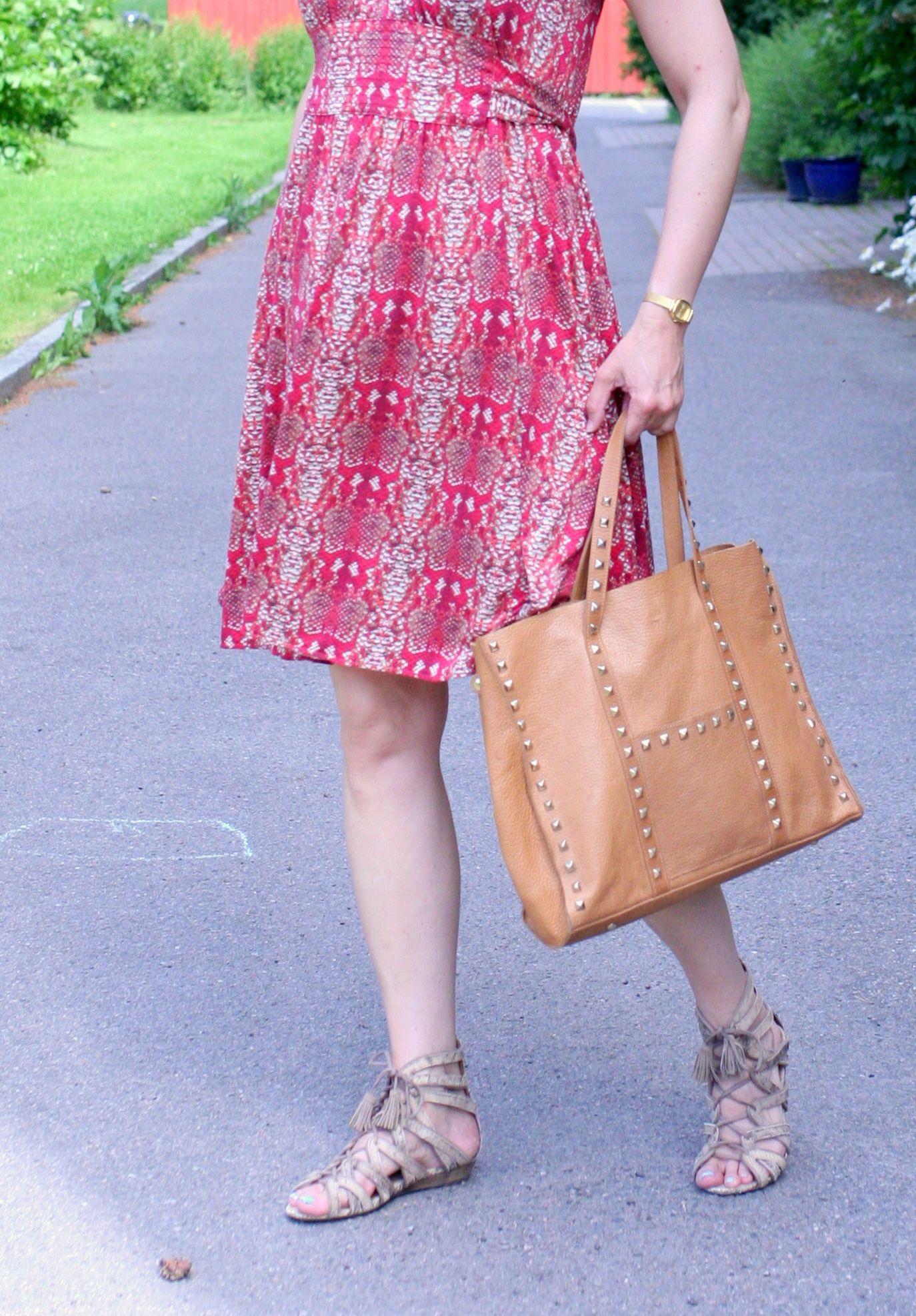 Tall Girl's Fashion // Styling snakeprint