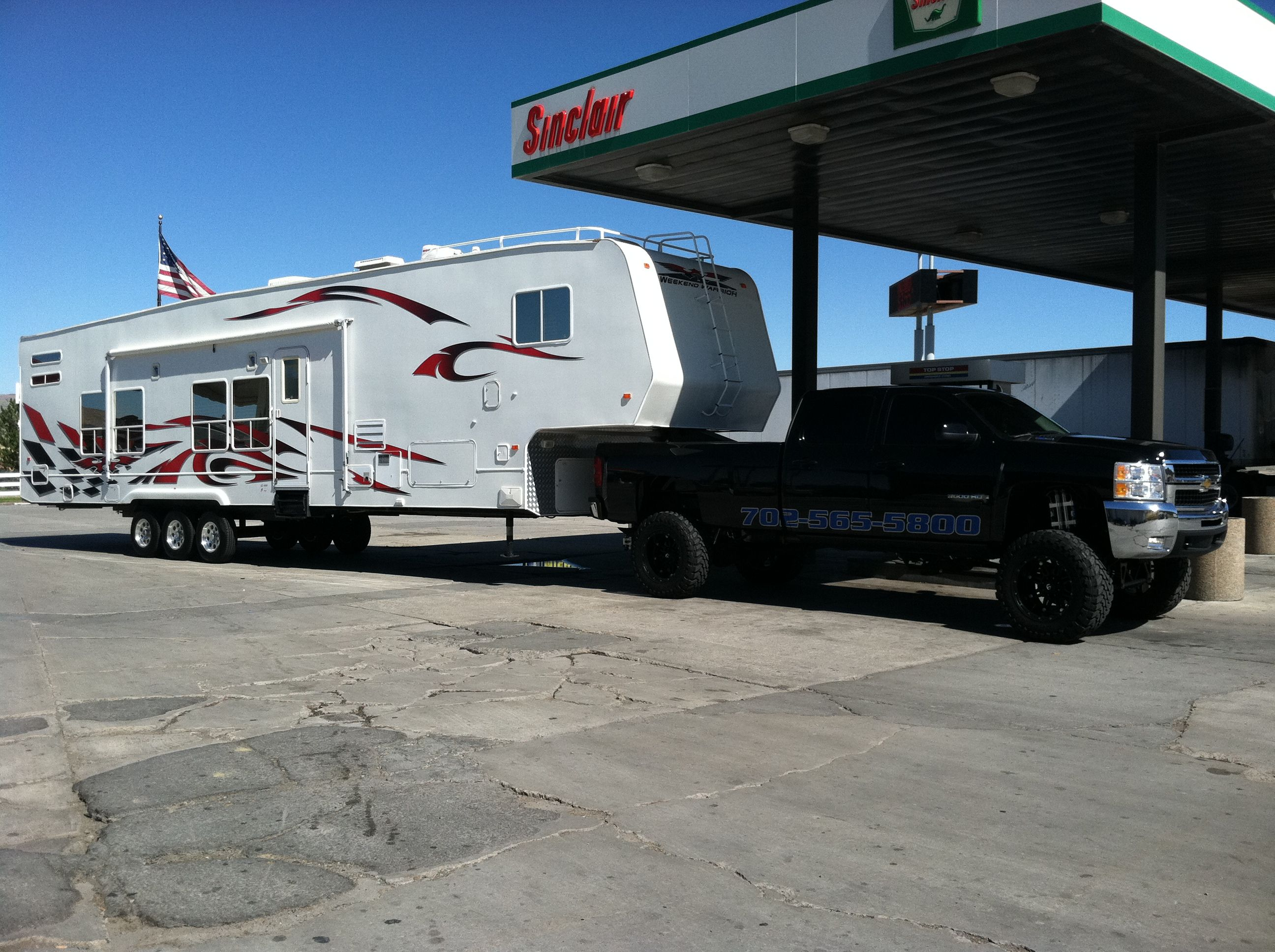 Chevy 3500 With 12 Cst Lift Kit Towing 52 Toy Hauler