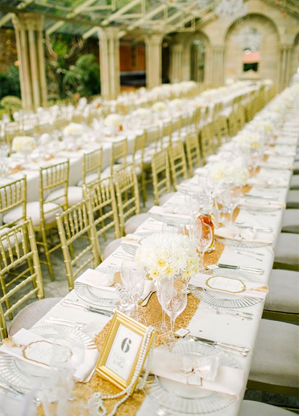 10 Impossibly Pretty Banquet Style Tables
