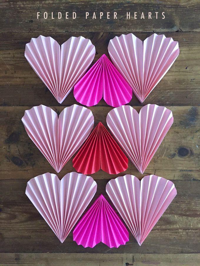Folded Paper Hearts Simple Kids Craft Ideas Hjerte