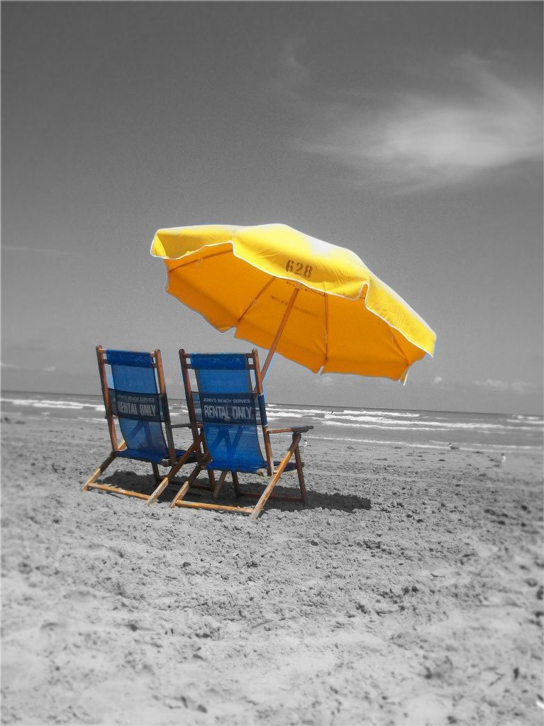 Best Beach Bums Color Splash Blue And Yellow Lounge 640 x 480