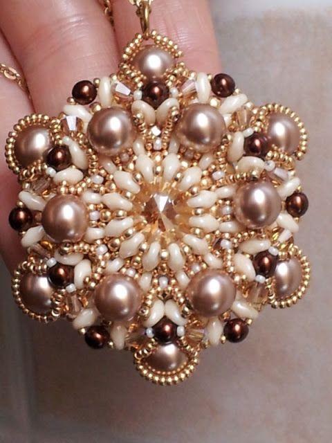 Perline e Bijoux: Ciondolo Baroque: variante con perle da 8mm