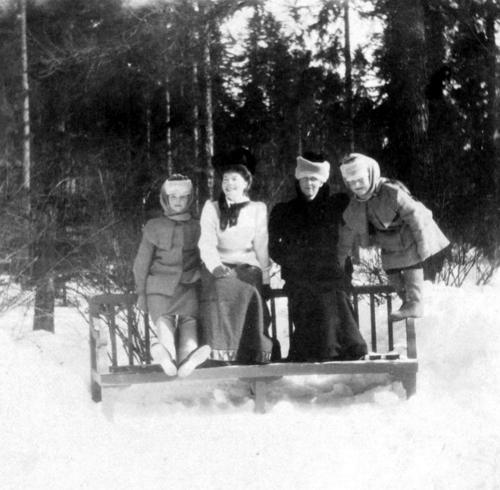 Olga, Anastasia, with their Aunts Irene and Olga