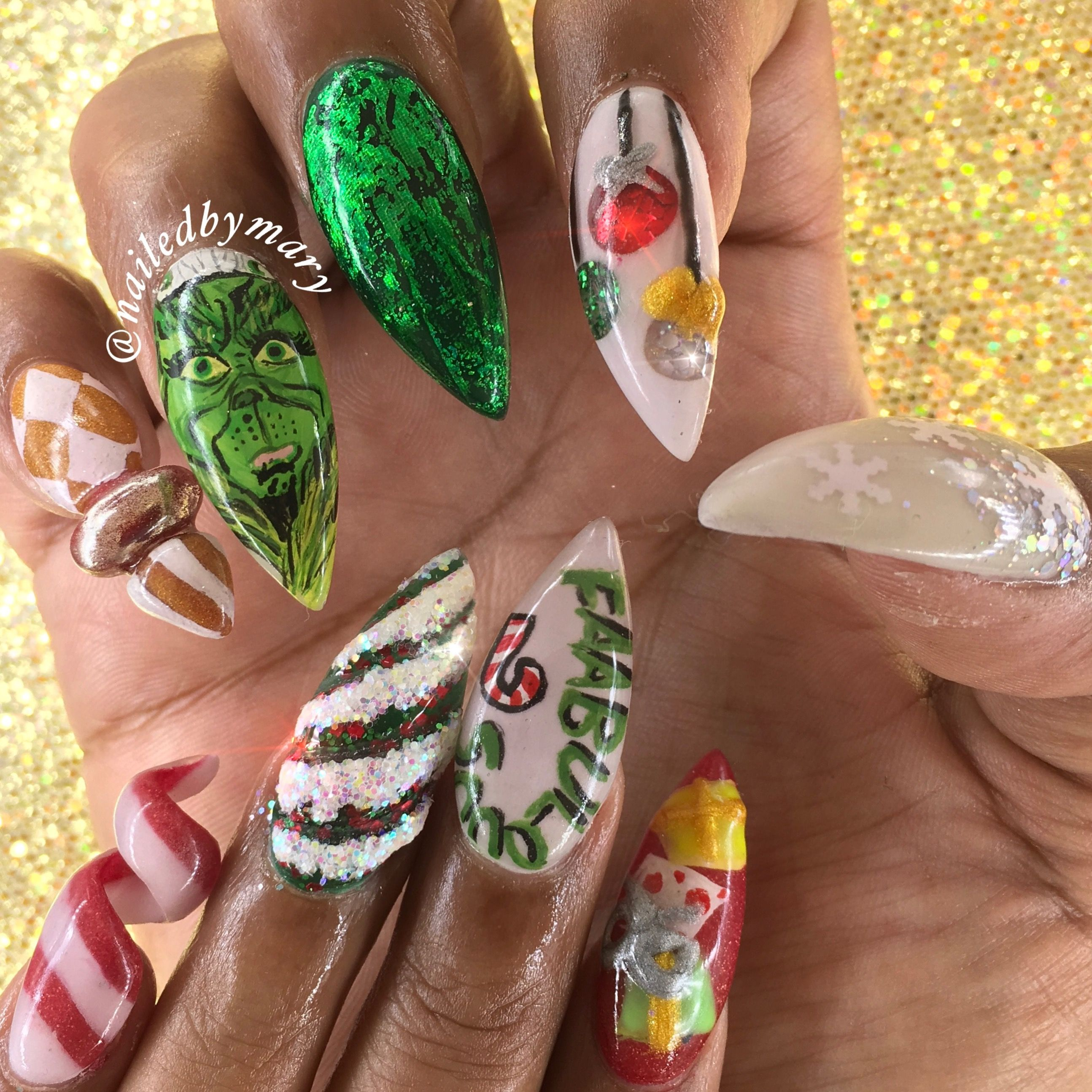 Dr. Suess\' How the Grinch stole Christmas nail art stiletto Whoville ...