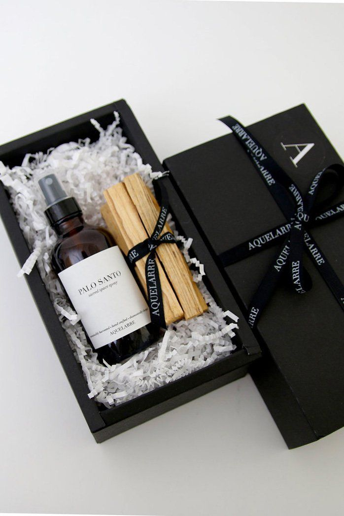 Christmas Gifts For Customers 2021 Palo Santo Gift Set In 2021 Gifts Christmas Gift Wrapping Corporate Gifts