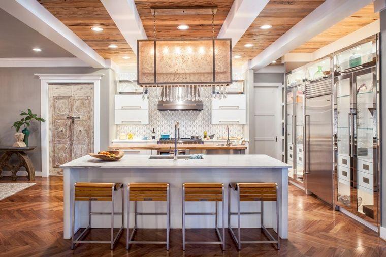 travi in legno bianche cucina stile classico lampadario sospensione ...