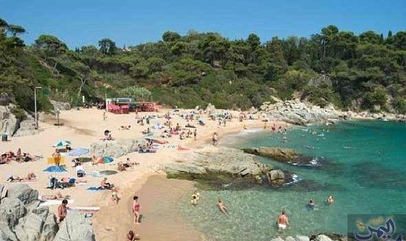كوستا برافا تجدد أمجادها من جديد وتعود إلى اهتمام الشباب البريطانيين Outdoor Water Coastline