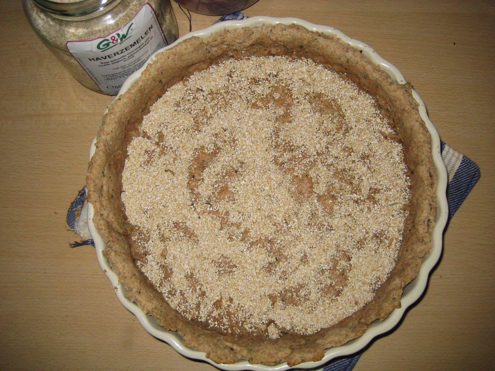 Mijn hartige taarten zijn zeer gevarieerd, maar hebben 1 ding gemeen, de bodem.  Ik gebruik voor mijn hartige taarten geen bladerdeeg of iet...