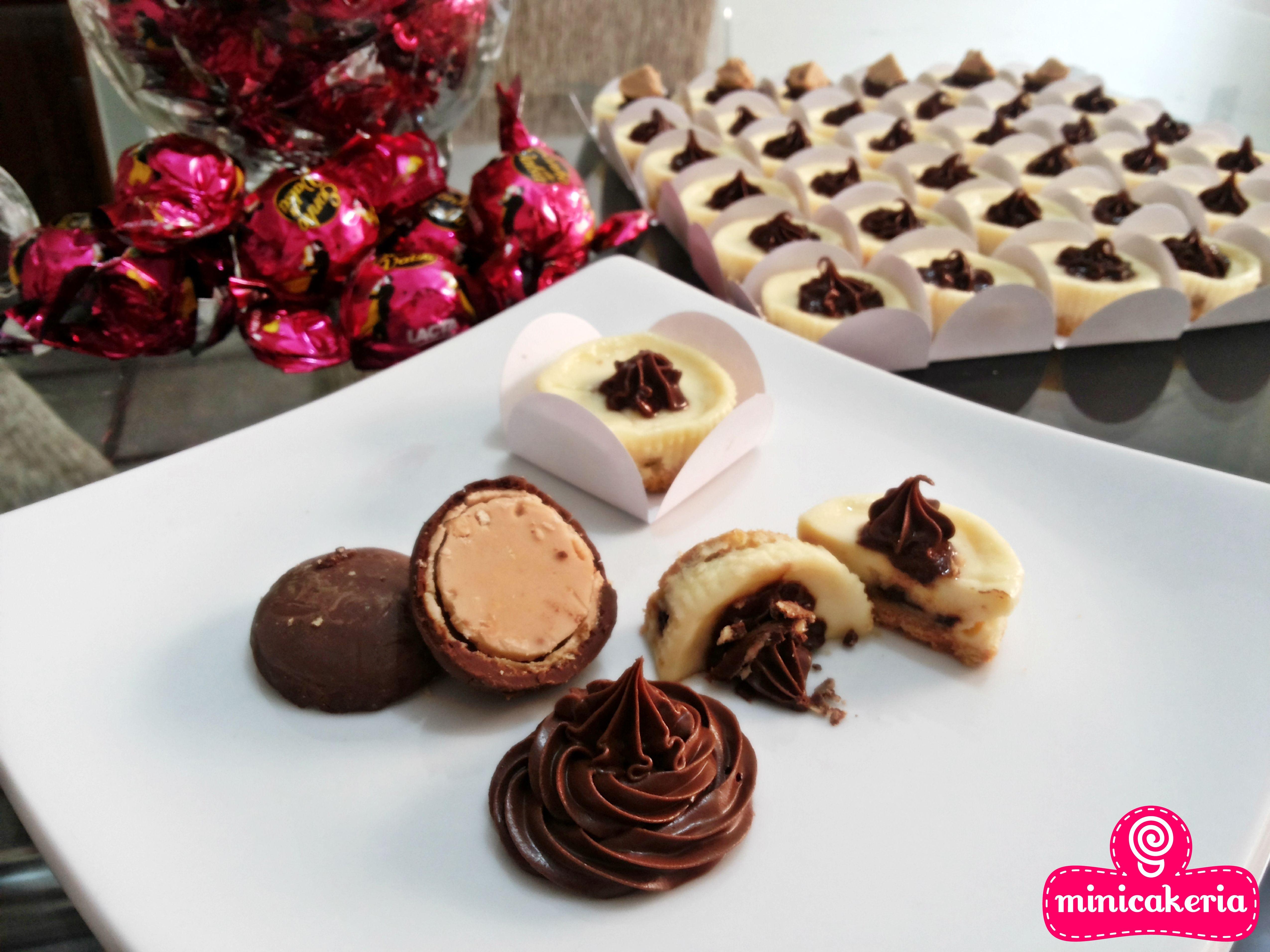 Sabor: Sonho de Valsa e Nutella - Mini cheesecake recheado com pedacinhos de Sonho de Valsa e cobertura de Nutella.  #Minicakeria #MiniCheesecake #Cheesecake #FeitoComAmor #SonhoDeValsa #Nutella