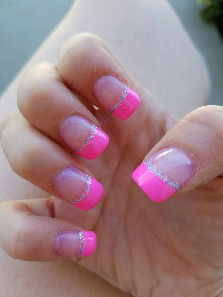Pin By Heidi Burns On Nail Designs Pink Tip Nails Gel Nails French French Tip Nails