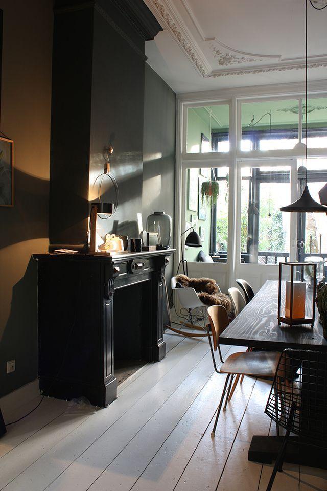 Heute Spazieren Wir Durch Die Schöne Wohnung Von Theo Bert Pot Und Seinem  Freund Jelle In Holland. Die Haben Ein Talent Für Dunkle Farben. (Ohhh...  Mhhh...)
