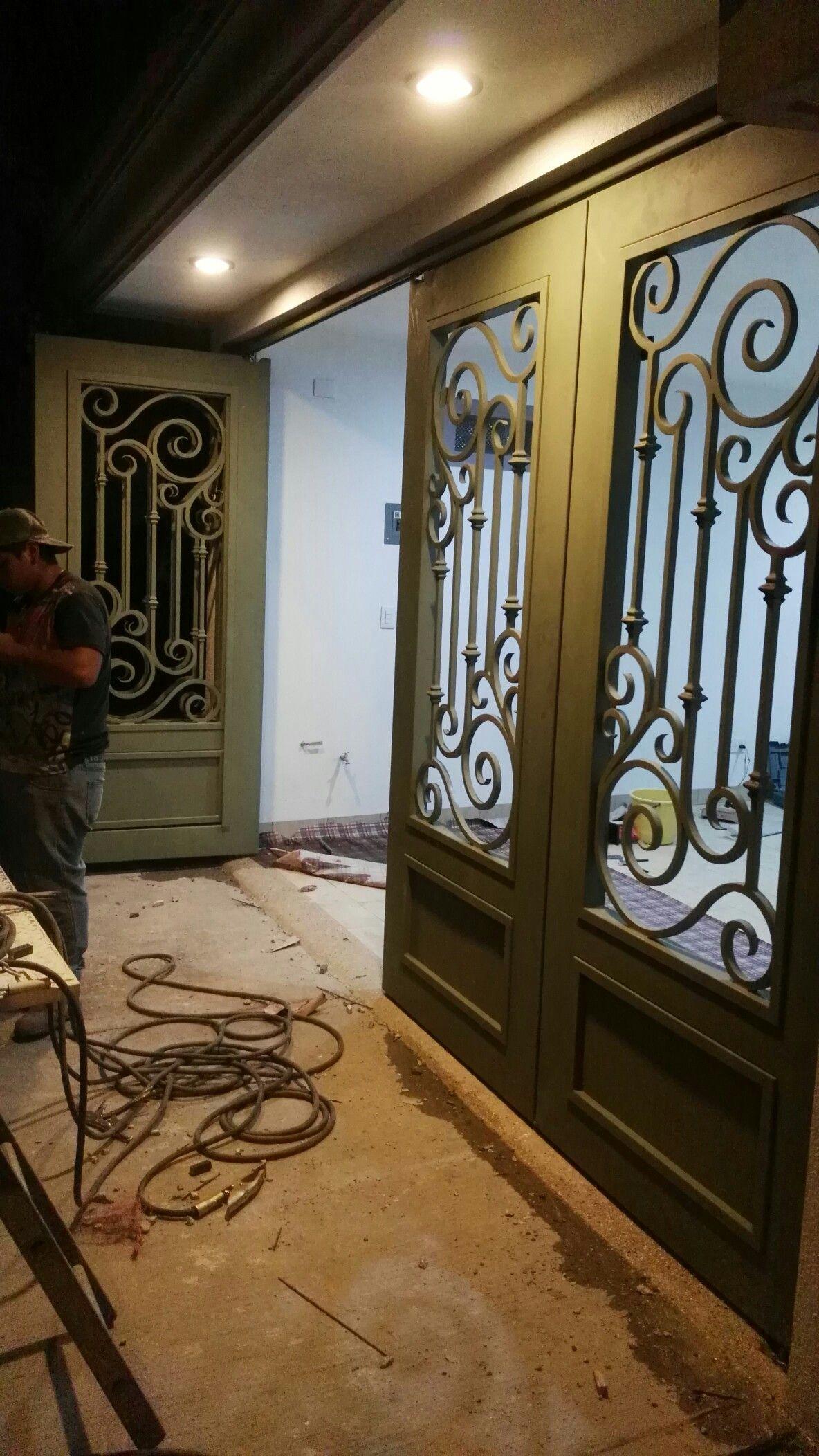 Puerta En Hierro Ornamental Puertas De Hierro Ventanas De Metal Puertas De Cochera