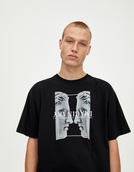 T Shirt Preta Com Perfil Grego Pull Bear Kaos Kaos Pria Pria