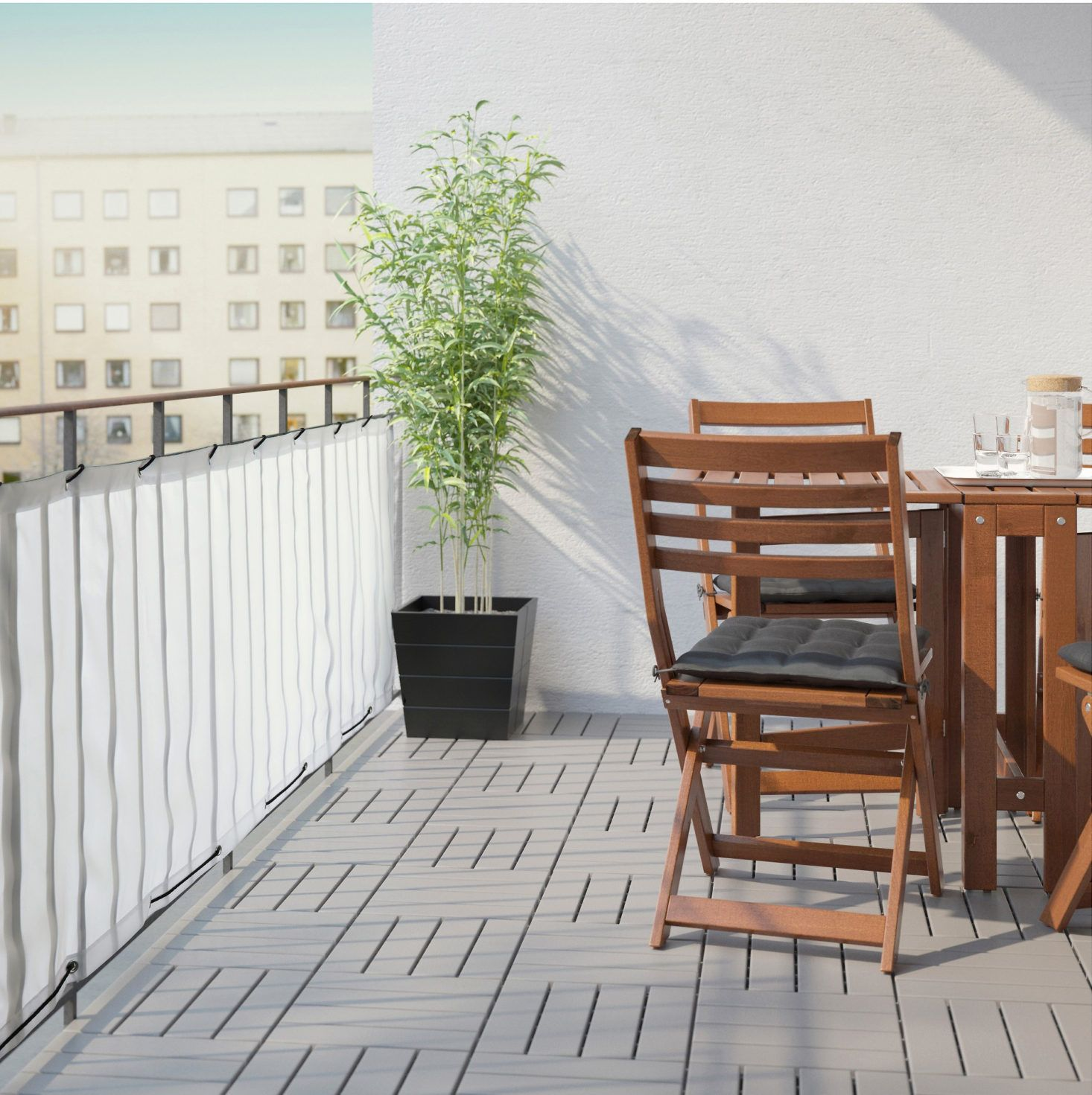 The Ikea Dyning Balcony Privacy Screen In White Is The Same Composition And Measurement As The Design In Black Ab Balcony Privacy Screen Patio Balcony Privacy