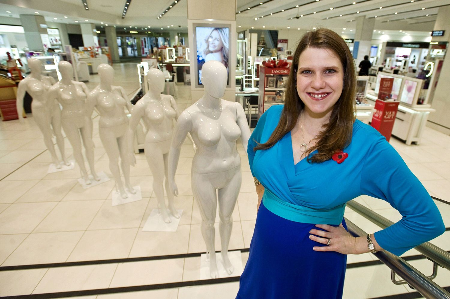 Store uses plus-size mannequins to reflect true shape of shoppers
