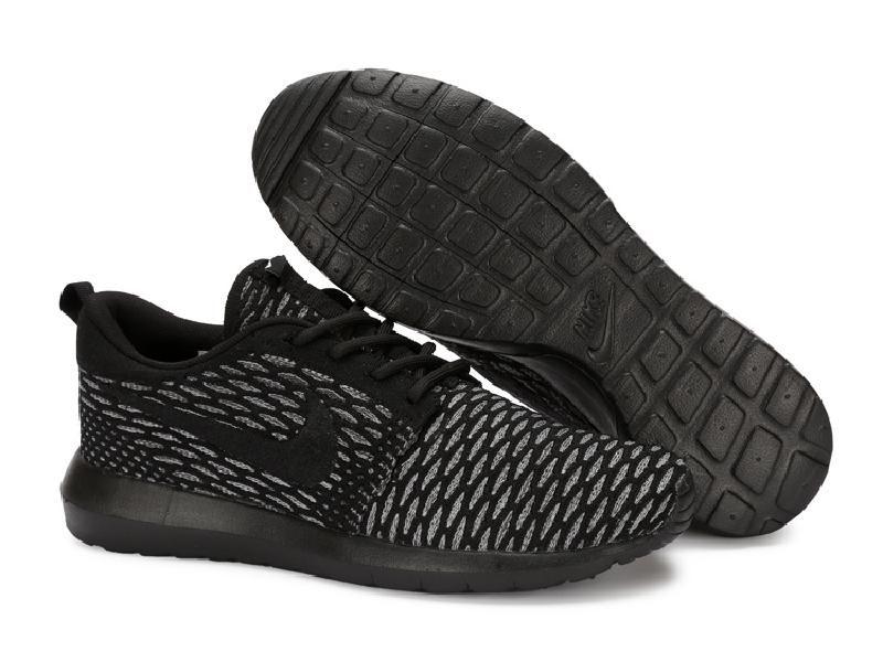 Mens Nike Roshe Run Flyknit Black White Running Shoes Trainers 677243 003 677243 003