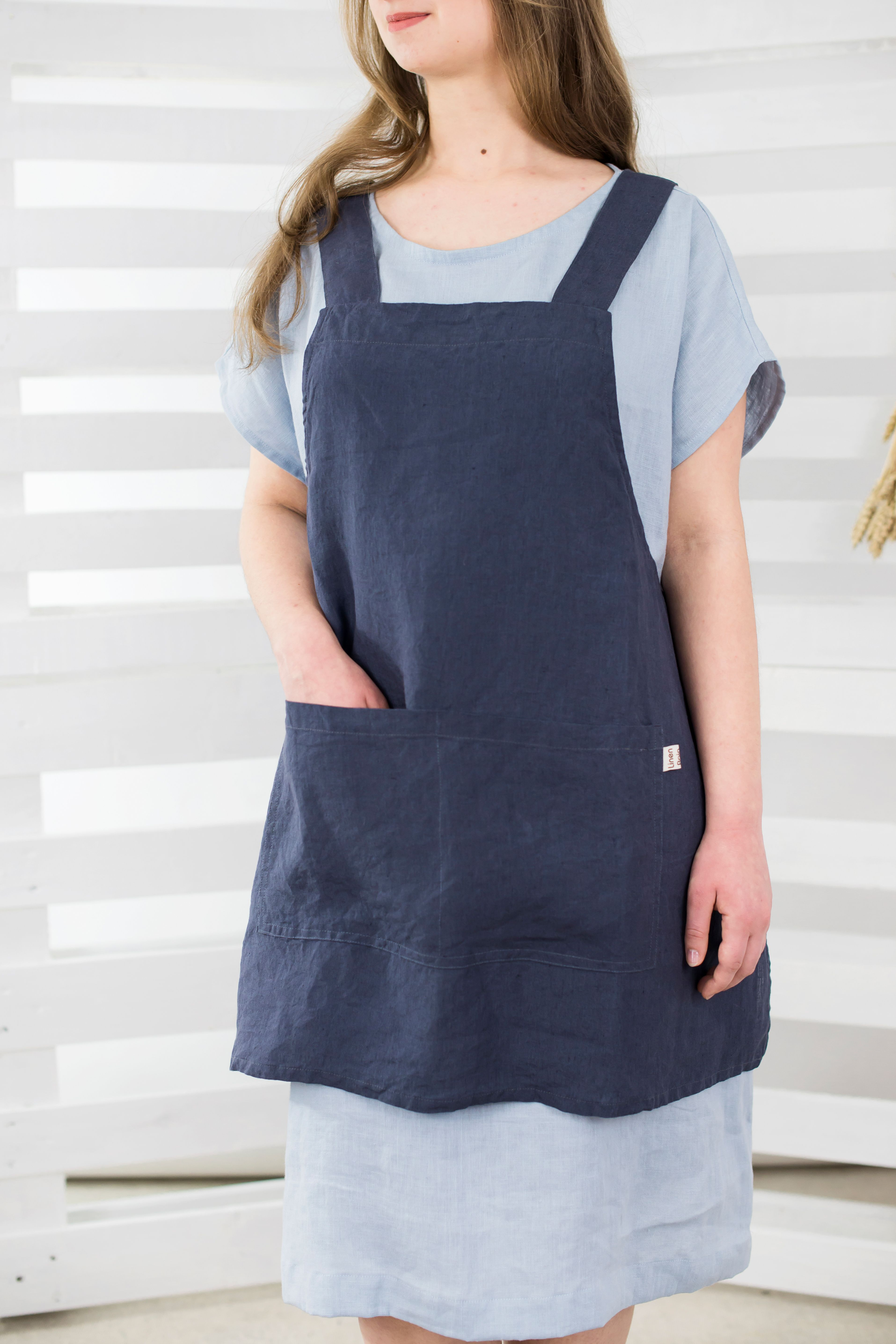 Japanese style apron  Washed linen apron  No ties apron  Craft room apron  Natural linen  Christmas gift  Charcoal grey color