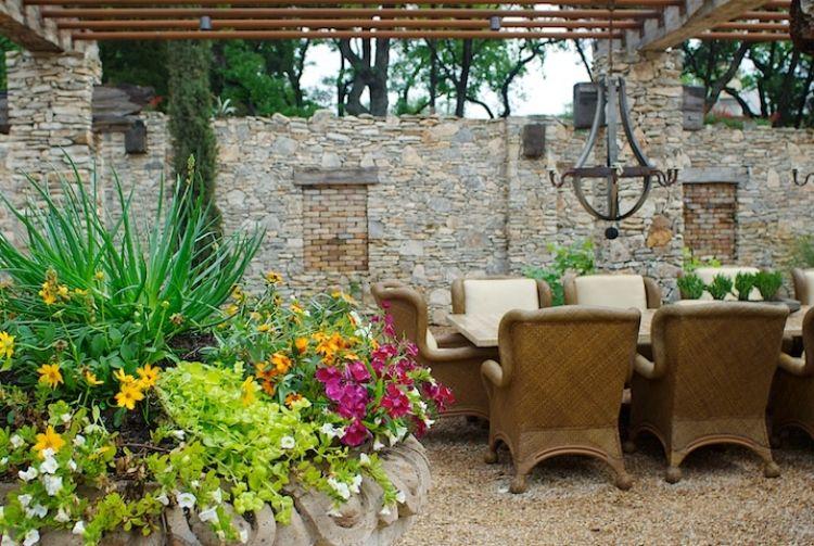ideen terrassengestaltung suedlich mediterran pflanzen. Black Bedroom Furniture Sets. Home Design Ideas