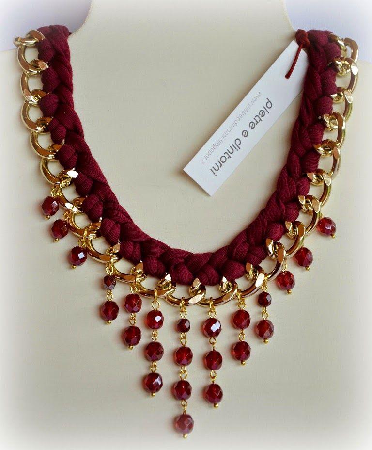 92f09eb4fbb5 Collar Cadena y Gamuza Roja con Cristales redondos